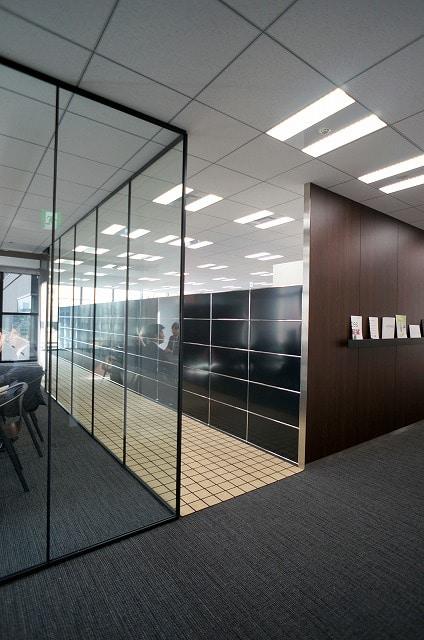 【セットアップオフィス】<br>上品な内装・家具付!即日稼働可能★_01