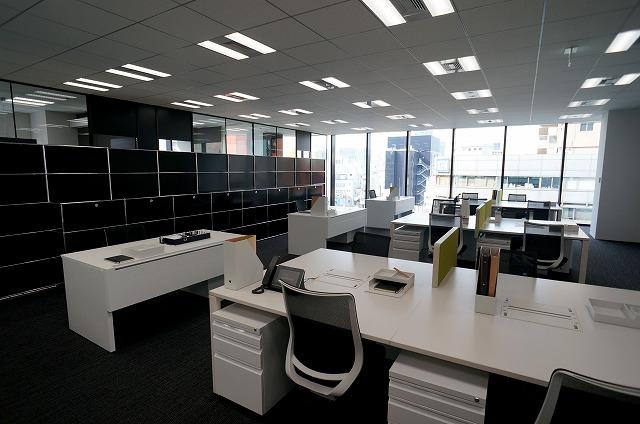 【セットアップオフィス】<br>上品な内装・家具付!即日稼働可能★_02