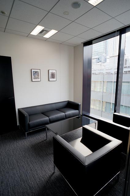 【セットアップオフィス】<br>上品な内装・家具付!即日稼働可能★_05
