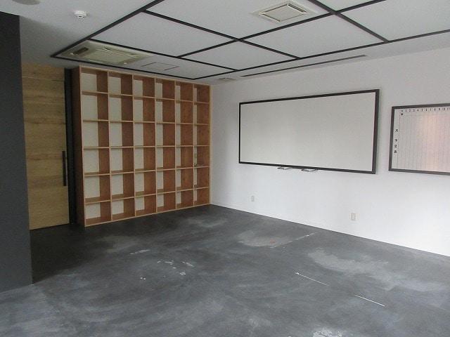 【居抜き】<br>会議スペース付き居抜きオフィス♪_04