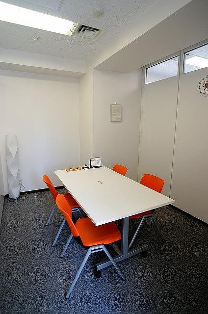 【居抜きオフィス】<br>築地エリア!きれいな会議室付きオフィス★
