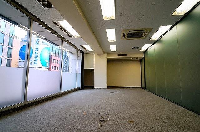 【居抜きオフィス】<br>銀座エリア 内装付き区画!!