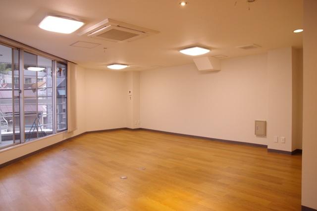 【デザイナーズオフィス】<br>信濃町駅使いやすさ抜群、一棟貸オフィス!_05