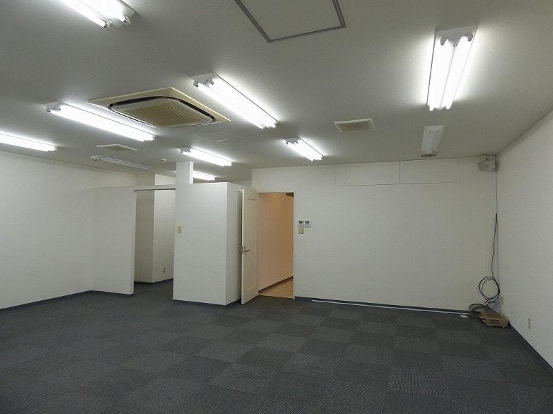 【居抜き】大阪市中央区 事務所スペース付<br>リラクゼーションサロン居抜き物件♪_06
