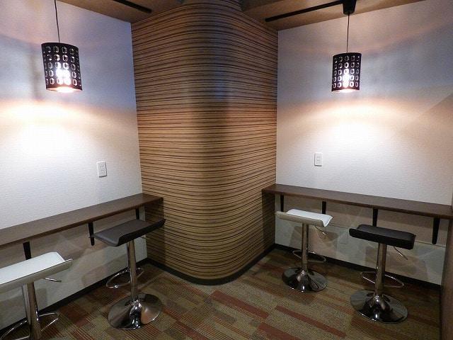 【居抜き】お洒落な室内とリバービュー♪<br>個室ブース・打ち合わせスペース付き事務所