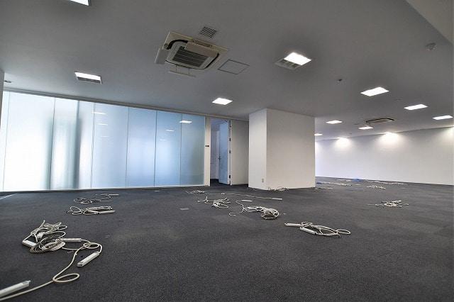 【居抜きオフィス】<br>外苑前の採光がとれる落ち着いた空間☆_02