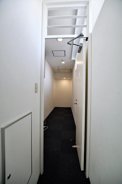 【居抜きオフィス】<br>外苑前の採光がとれる落ち着いた空間☆_05