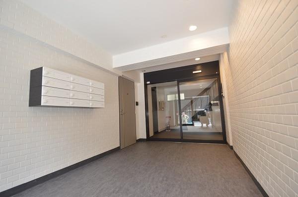 【デザイナーズ】原宿エリア、約20坪。<br>白を基調としたリノベーションオフィス