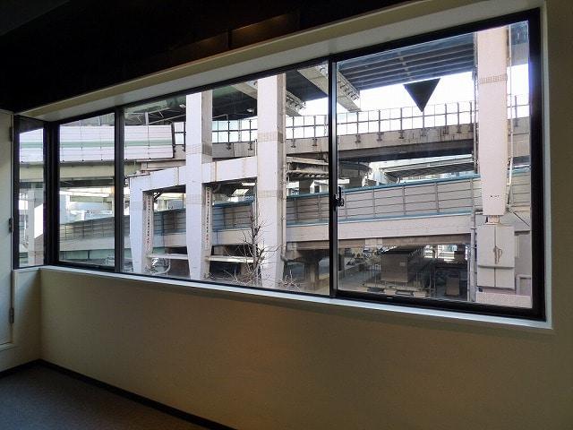 【デザイナーズオフィス】大阪市中央区<br>スケルトン天井のお洒落なオフィス♪_04
