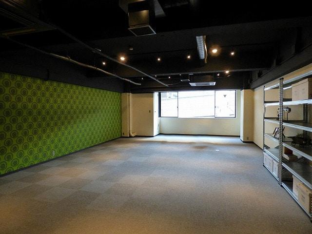【デザイナーズオフィス】大阪市中央区<br>スケルトン天井のお洒落なオフィス♪_02