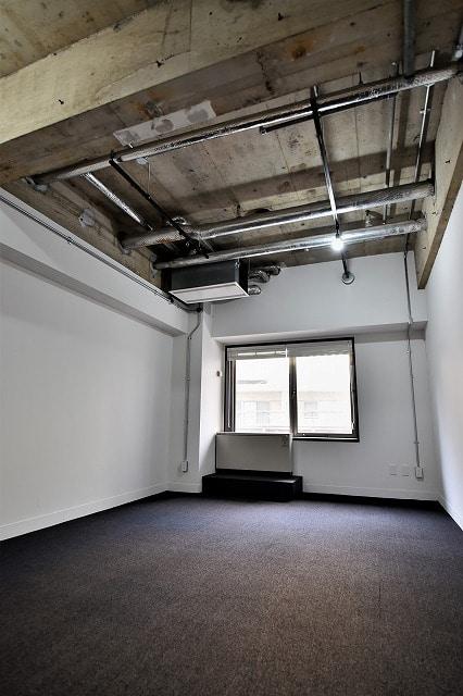 【デザイナーズオフィス】麹町エリアのホテルライク<br>でクリエイティブなワークスペース