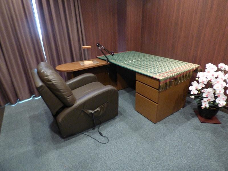 【居抜きオフィス】神戸市中央区エリア<br>浜辺通の重厚感ある空間_05