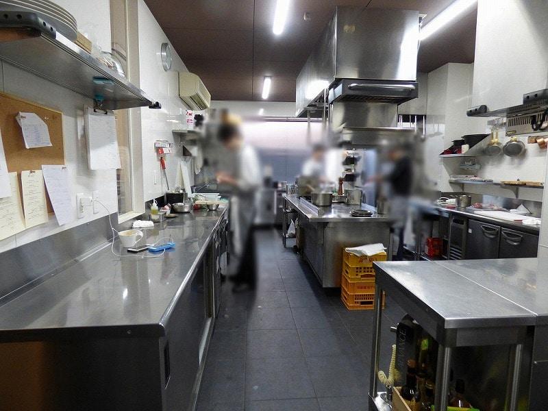 【居抜き店舗】大阪北区エリア♪1階路面店<br>フランス料理店の内装・厨房付き物件♪