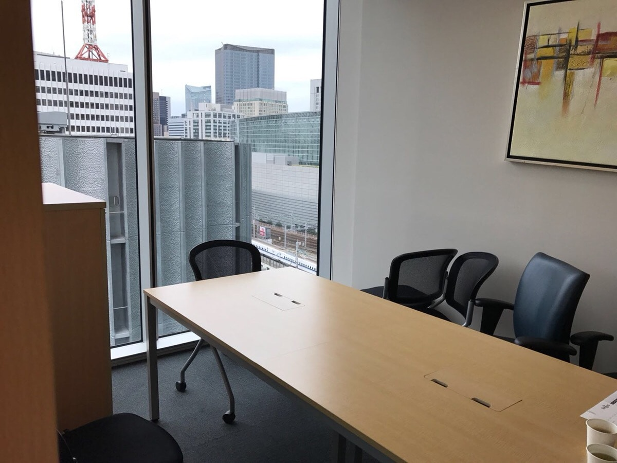 【家具付】間借りでハイグレードオフィス<br>東京駅直結ビルからの眺め