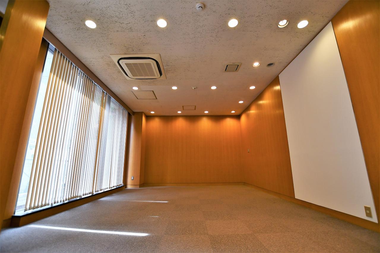 【居抜き】レトロブリックウォールと<br>格式高いオフィスがお迎えします_01