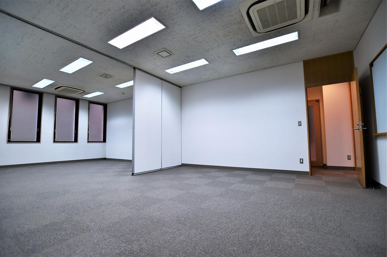 【居抜き】レトロブリックウォールと<br>格式高いオフィスがお迎えします_02