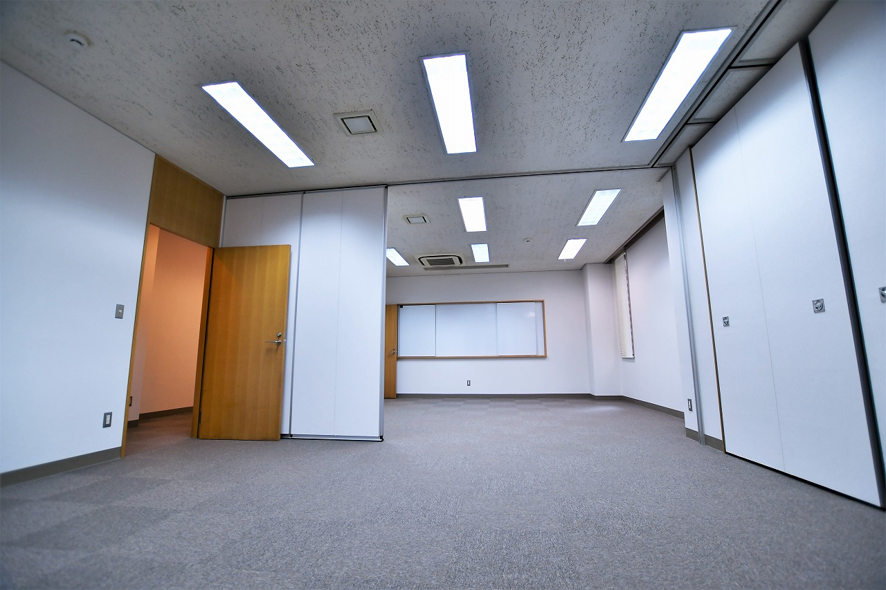 【居抜き】レトロブリックウォールと<br>格式高いオフィスがお迎えします_03
