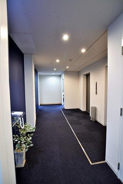 【居抜き】東京タワー前のオフィス!<br>会議室2室シンプルな間取り!