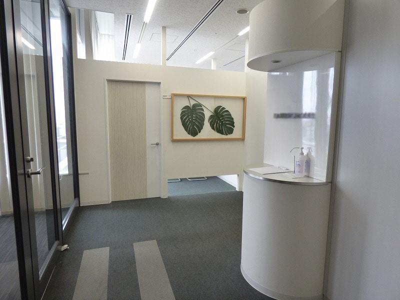 【居抜きオフィス】大阪市四ツ橋エリア!<br>最上階で明るいワンフロア居抜きオフィス