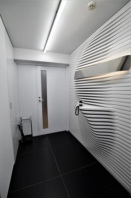 【居抜きオフィス】至言、デザイナーズ。<br>天井高3mの魅力と機能性と。