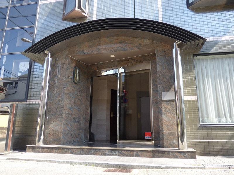 【居抜き】お洒落な内装!最高の採光♪<br>堺駅駅近の3階建て1棟貸し居抜き物件!_01