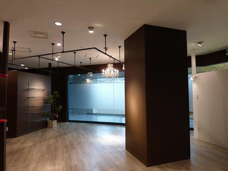 【居抜きオフィス】大規模複合施設内!<br>お洒落な内装のカジュアルフォトスタジオ♪