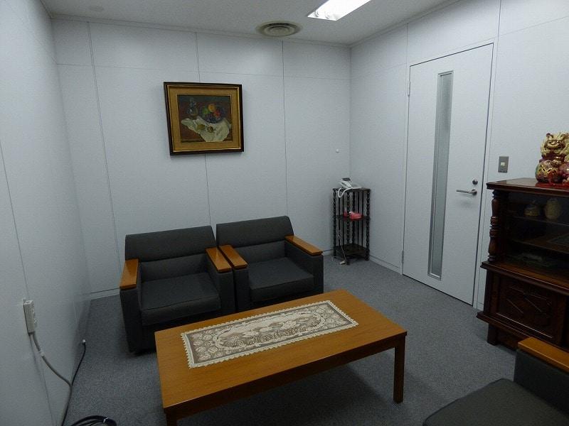 【居抜き】会議室・待合室有り! 大阪市西区!広々空間の居抜き物件!