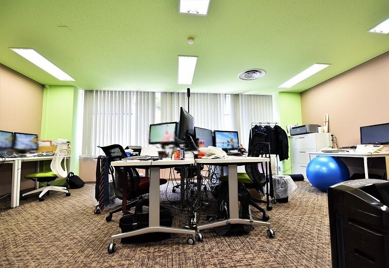 【居抜きオフィス】虎ノ門エリア<br>カラフルなシンプルオフィス!!