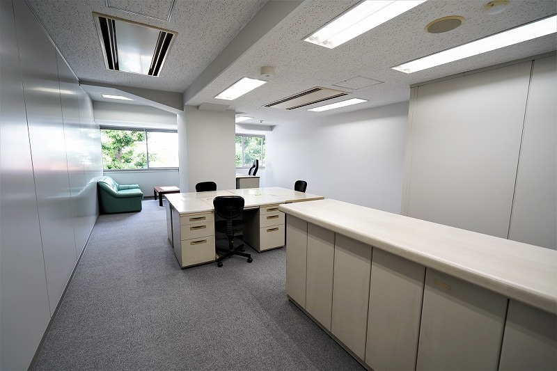【居抜きオフィス】横浜エリア! シンプルで使いやすい物件!