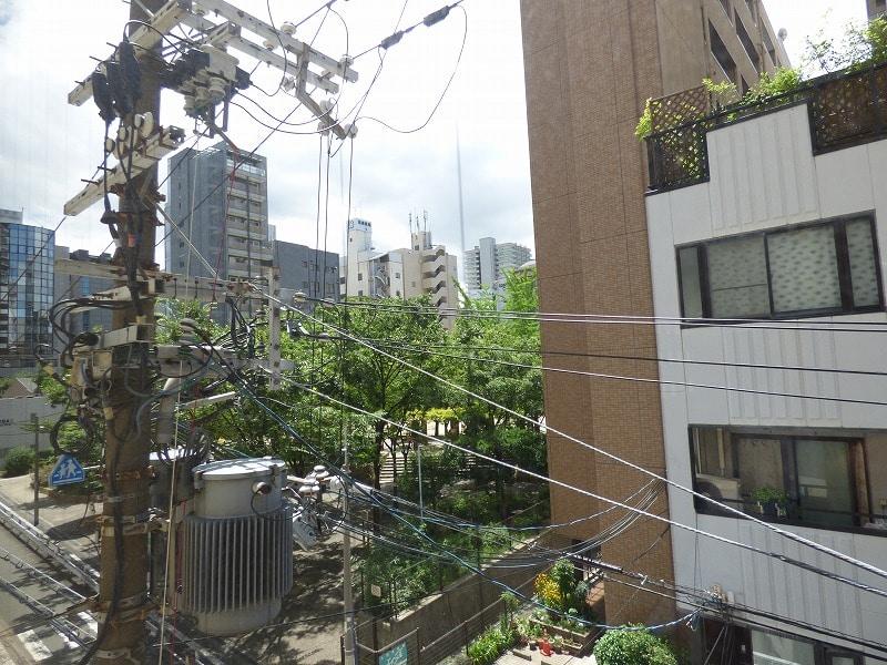 【居抜きオフィス】大阪市中央区♪<br>6区画と倉庫2区画に区切られた稀少物件!