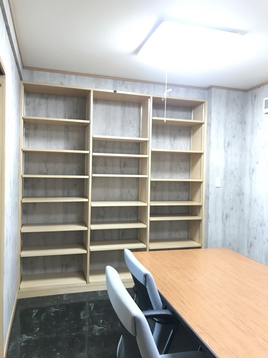 【居抜きオフィス】豊平区エリア♪<br>事務所・応接室があります!
