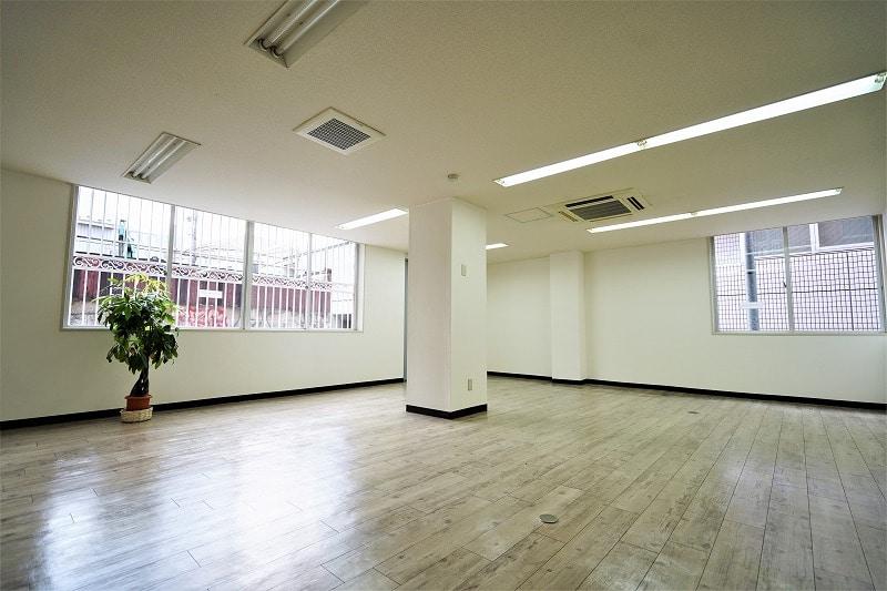 【デザイナーズオフィス】渋谷区松濤<br>静かで明るいオフィスで働く。
