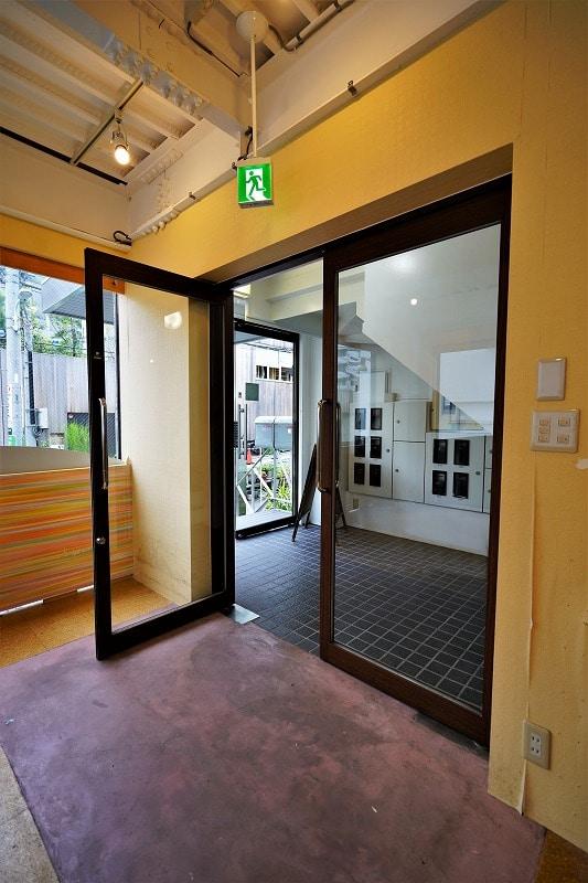 【居抜きオフィス】渋谷区代官山エリア!<br>開放的なスケルトン、前面ガラス張り物件!