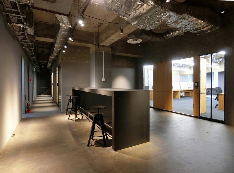 【リノベオフィス】半蔵門 粗削り且つ洗練<br>まるでガレージ、秘密基地のようなオフィス