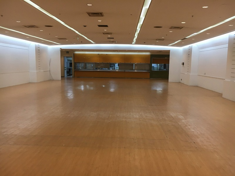 【居抜きオフィス】千里中央エリア!<br>約2500坪の大型物件一棟貸し!!