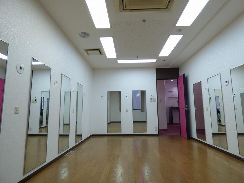 【居抜きオフィス】心斎橋エリア!約35坪<br>期間限定!元モデルスクールの稀少物件!