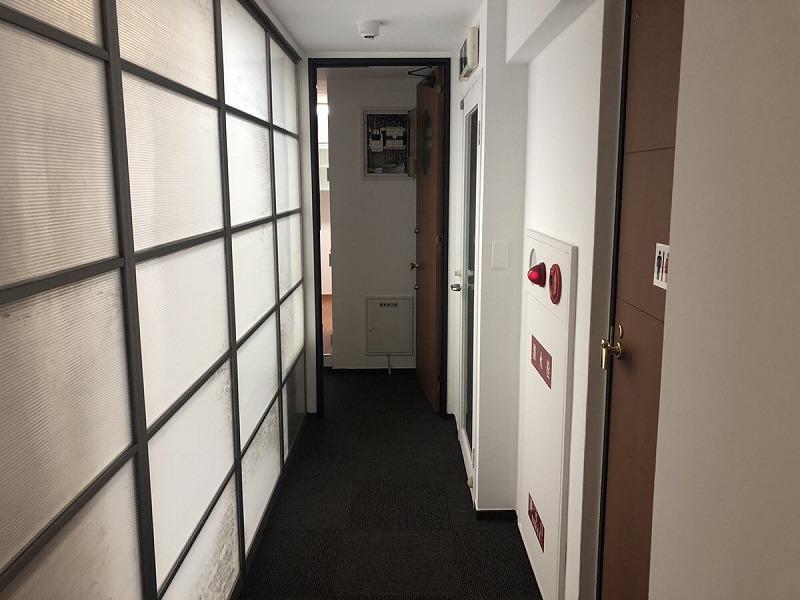 【居抜きオフィス】大阪本町エリア<br>綺麗なキッチン付オフィス!