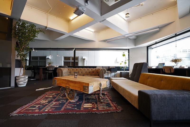 【デザイナーズオフィス】市ヶ谷を一望<br>世界と繋がるコワーキングとブーススペース