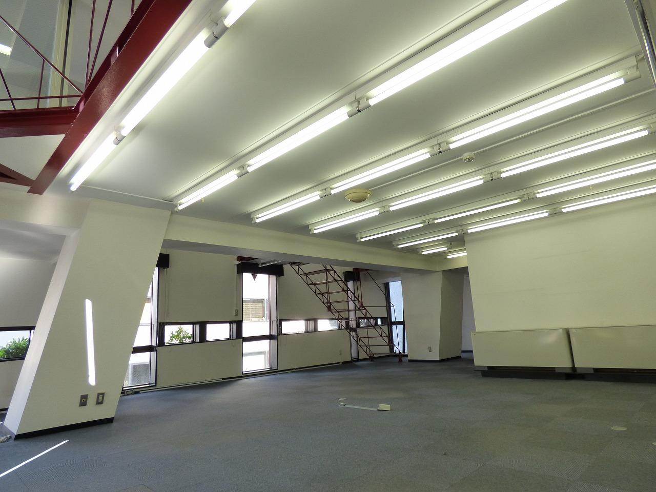 【メゾネット物件】デザイナーズオフィス♪<br>本町・心斎橋エリア約40坪で陽当たり良好