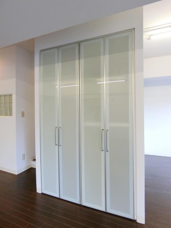 【デザイナーズオフィス】千駄ヶ谷駅すぐ<br>白黒のモザイクが印象的な小規模オフィス