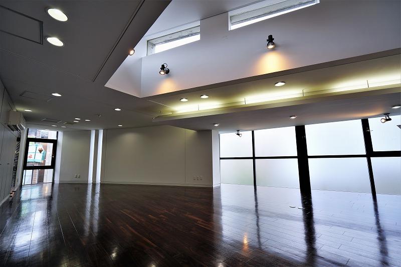 【デザイナーズオフィス】渋谷エリア<br>コンクリート打ちっぱなしの外観が魅力。
