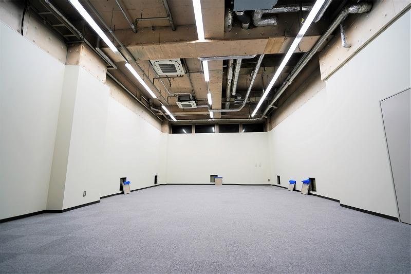 【リノベオフィス】御茶ノ水でスタジオ等に 地下なのに解放感、温かい隠れ家オフィス
