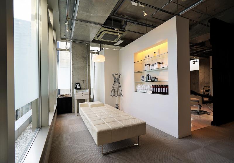 【居抜き】外苑前。美容室の造作あり。<br>好立地・洗練された内装で開店の夢を叶える