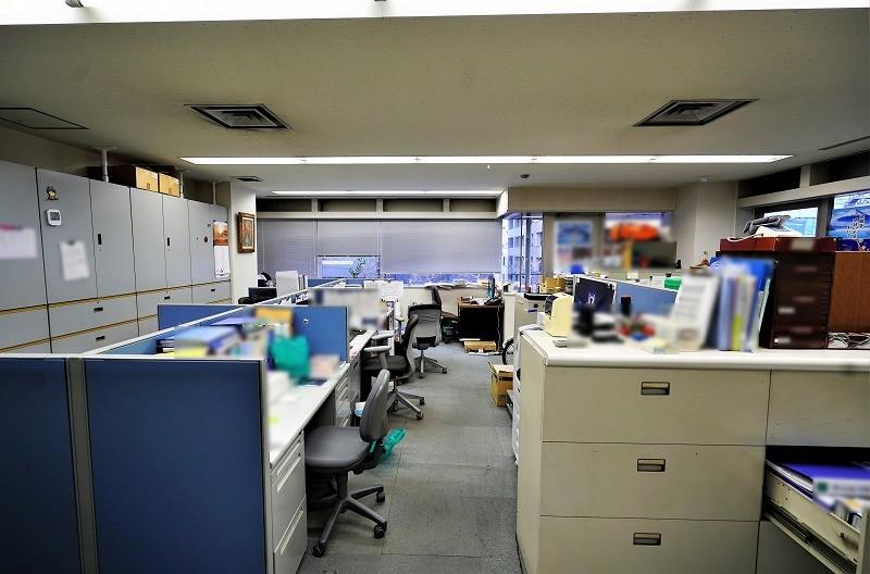 【居抜き】茅場町、会議室付きのオフィス<br>新耐震・男女別トイレなどビル設備も充実<br>
