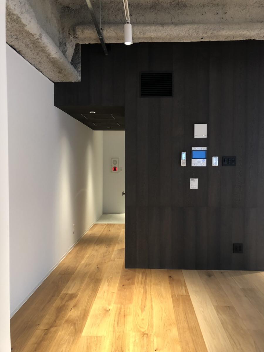【デザイナーズ】神田駅徒歩2分、新築。<br>むきだしの天井と無垢材の床がおしゃれ