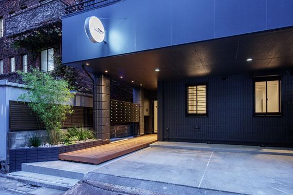 【デザイナーズ】北参道のシェアオフィス<br>路地裏×リノベ×屋上やサロンの息抜き空間