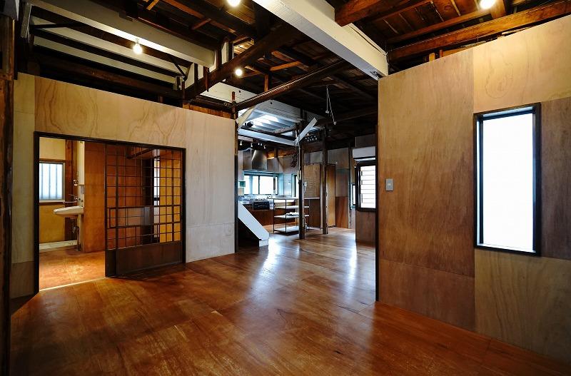 【デザイナーズ】西麻布の戸建オフィス 古さと新しさが同居するふしぎな二階建