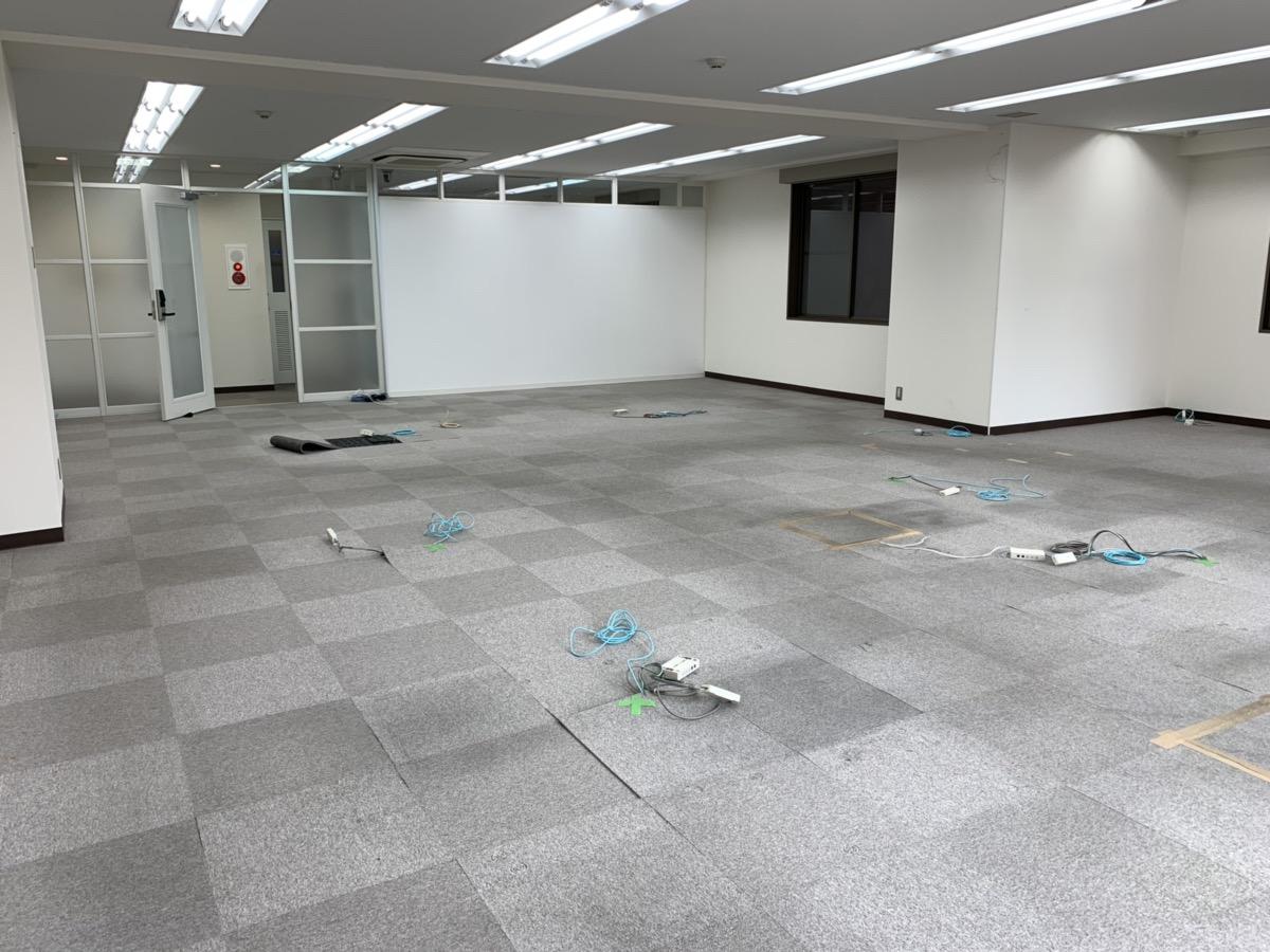 【居抜き】水天宮駅徒歩1分、約40坪。 清潔感ある印象の内装と会議室造作
