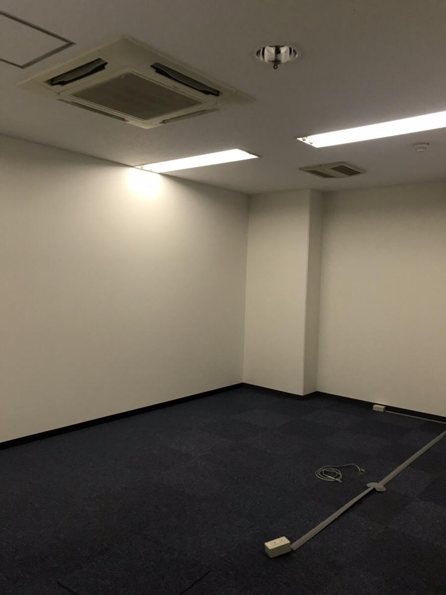 【居抜き】堺筋本町エリア、駅近物件!<br>受付、会議室等スペース充実!