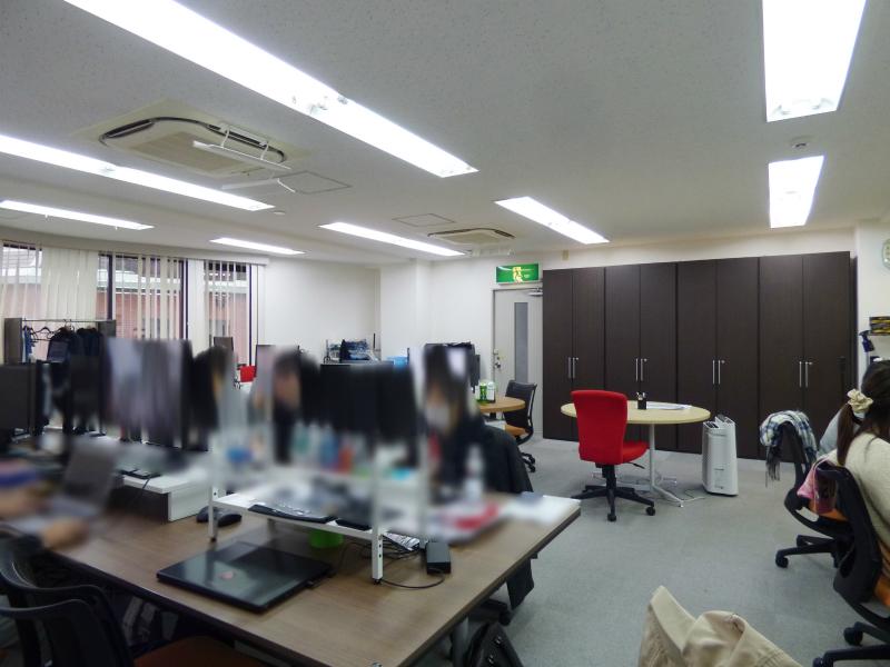 【居抜き】麹町・半蔵門、30~40坪。<br>シンプルで自由度の高いきれいな内装